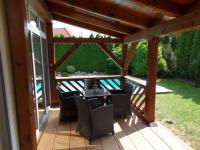 terasa (Prodej domu v osobním vlastnictví 322 m², Jesenice)