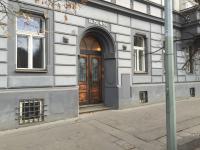 vstup do domu (Pronájem kancelářských prostor 92 m², Praha 2 - Vinohrady)