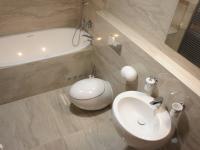 koupelna I - Pronájem bytu 3+kk v osobním vlastnictví 126 m², Praha 4 - Nusle