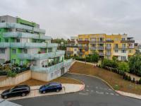 pohled z balkonu (Prodej bytu 2+kk v osobním vlastnictví 66 m², Praha 5 - Řeporyje)