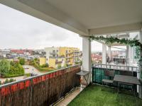 balkon (Prodej bytu 2+kk v osobním vlastnictví 66 m², Praha 5 - Řeporyje)