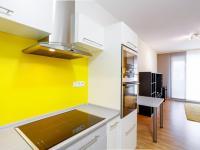 kuchyně (Prodej bytu 2+kk v osobním vlastnictví 66 m², Praha 5 - Řeporyje)