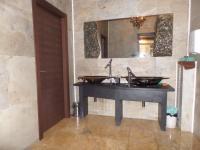 Toalety (Pronájem obchodních prostor 100 m², Praha 7 - Holešovice)