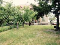 Zahrada (Prodej domu v osobním vlastnictví 370 m², Praha 10 - Strašnice)