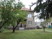 Pohled ze zahrady (Prodej domu v osobním vlastnictví 370 m², Praha 10 - Strašnice)