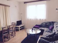 III.NP pokoj (Prodej domu v osobním vlastnictví 370 m², Praha 10 - Strašnice)