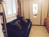 Malá ložnice (Prodej domu v osobním vlastnictví 370 m², Praha 10 - Strašnice)