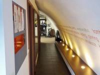 chodba (Pronájem komerčního objektu 130 m², Praha 7 - Holešovice)