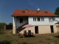 Prodej domu v osobním vlastnictví 100 m², Klobuky