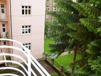 pohled do vnitrobloku (Pronájem bytu 2+1 v družstevním vlastnictví 65 m², Praha 4 - Podolí)
