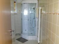 Sprchový parní box (Prodej domu v osobním vlastnictví 81 m², Rodvínov)
