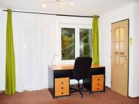 pokoj - pracovna (Prodej domu v osobním vlastnictví 130 m², Želízy)