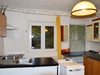 kuchyně (Prodej domu v osobním vlastnictví 130 m², Želízy)