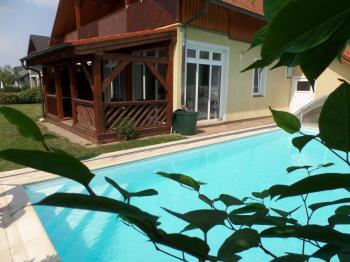 Prodej domu v osobním vlastnictví 322 m², Jesenice