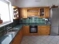 kuchyň - Prodej domu v osobním vlastnictví 322 m², Jesenice
