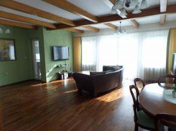 obývací pokoj - Prodej domu v osobním vlastnictví 322 m², Jesenice