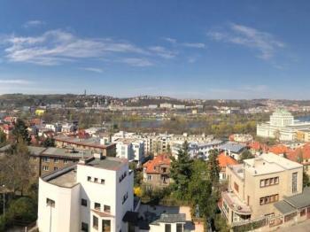 výhled na Prahu - Prodej kancelářských prostor 167 m², Praha 4 - Podolí