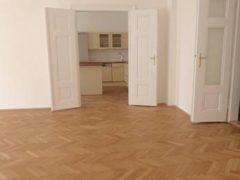 Pohled z pokoje do kuchyně - Pronájem bytu 3+kk v osobním vlastnictví 114 m², Praha 3 - Žižkov
