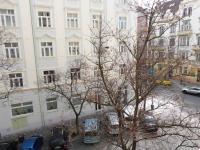 Výhled z ulice - Pronájem bytu 3+kk v osobním vlastnictví 114 m², Praha 3 - Žižkov