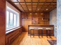 bar s krbem - Pronájem domu v osobním vlastnictví 257 m², Praha 5 - Radlice