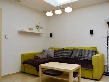 yt 2+1 v přízemí - obývací pokoj - Prodej domu v osobním vlastnictví 184 m², Brno