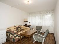 přízemí - pokoj - Prodej domu v osobním vlastnictví 270 m², Praha 9 - Vinoř
