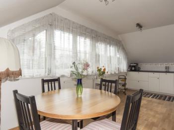 podklroví  - Prodej domu v osobním vlastnictví 270 m², Praha 9 - Vinoř