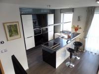 kuchyňský kout - Prodej bytu 3+kk v osobním vlastnictví 102 m², Praha 5 - Hlubočepy