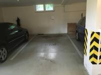 garažové stání - Prodej bytu 3+kk v osobním vlastnictví 102 m², Praha 5 - Hlubočepy