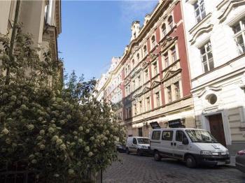 Pronájem bytu 2+1 v osobním vlastnictví 76 m², Praha 1 - Staré Město