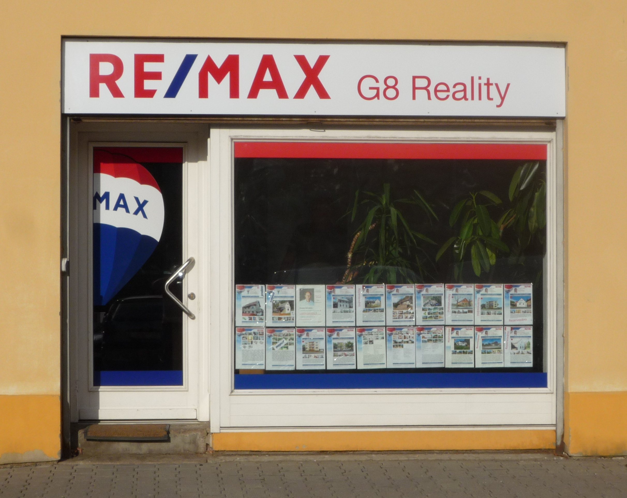 RE/MAX G8 Reality 2