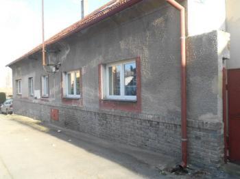 Prodej domu v osobním vlastnictví, 264 m2, Smečno