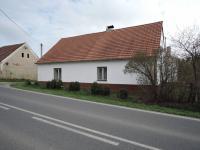 pohled na dům (Prodej domu v osobním vlastnictví 90 m², Břežany)