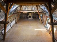 pohled z podkroví do loftové místnosti (Prodej domu v osobním vlastnictví 513 m², Mšecké Žehrovice)