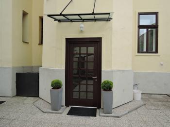 vstup do nemovitosti - Pronájem kancelářských prostor 24 m², Kladno
