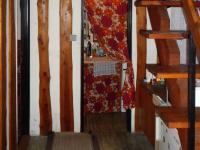 Z chodby pokračujeme  (Prodej chaty / chalupy 85 m², Skryje)