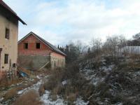 pohled od stodoly (Prodej domu v osobním vlastnictví 200 m², Oráčov)