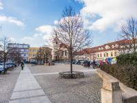 Husovo náměstí - 300 metrů chůzí od bytu (Prodej bytu 2+kk v osobním vlastnictví 46 m², Beroun)