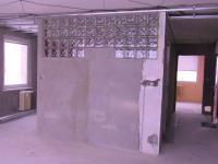 nově vybudovaná koupelna (Prodej bytu 2+kk v osobním vlastnictví 69 m², Rakovník)