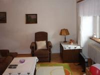Obývací pokoj je největší (Prodej domu v osobním vlastnictví 110 m², Lubenec)
