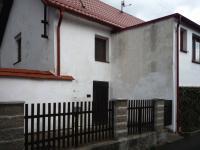 Pohled z ulice (Prodej domu v osobním vlastnictví 110 m², Lubenec)