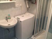 koupelna (Prodej bytu 3+kk v osobním vlastnictví 55 m², Rakovník)