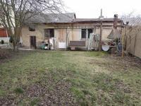 kolna na zahradě (Prodej domu v osobním vlastnictví 186 m², Kladno)