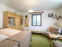 1.pokoj v přízemí (Prodej domu v osobním vlastnictví 140 m², Šanov)