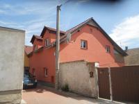 Prodej domu v osobním vlastnictví 380 m², Kladno