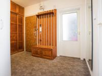Předsíň (Prodej bytu 3+kk v osobním vlastnictví 66 m², Praha 9 - Černý Most)