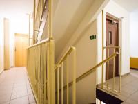 Chodba domu (Prodej bytu 3+kk v osobním vlastnictví 66 m², Praha 9 - Černý Most)