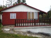 Dominantou chaty je terasa (Prodej chaty / chalupy 30 m², Kožlany)