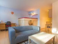 Obývací pokoj (Prodej bytu 1+kk v osobním vlastnictví 35 m², Praha 9 - Letňany)