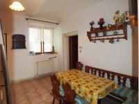jídelní kout v kuchyni - Prodej domu v osobním vlastnictví 178 m², Jedomělice